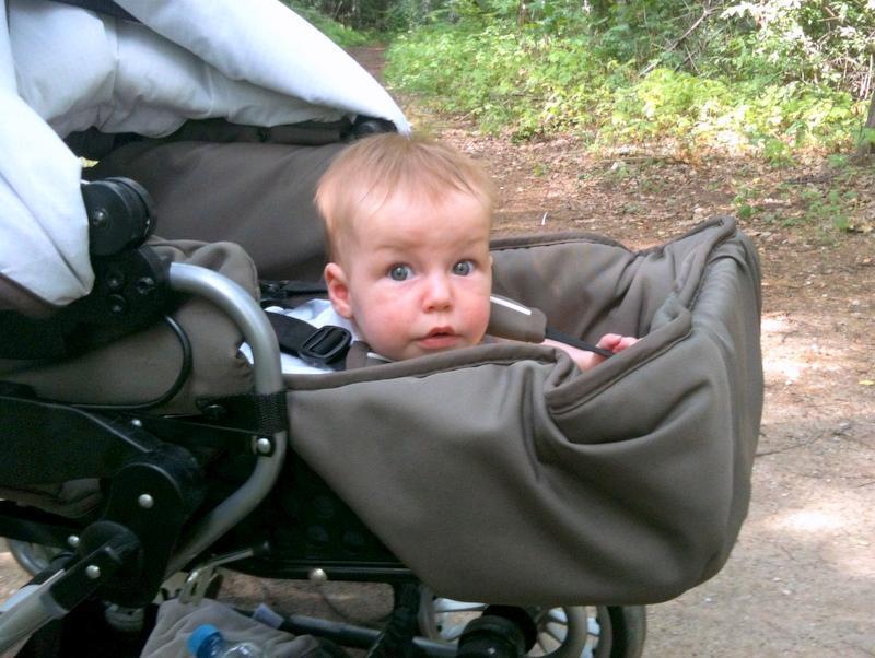 Akrobacje z wózkiem, czyli jak bezpiecznie leżeć w wózku na brzuchu i oglądać świat :)