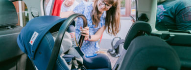 fotelik samochodowy dla niemowlaka