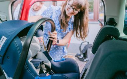 Jak wybrać fotelik samochodowy dla niemowlaka?