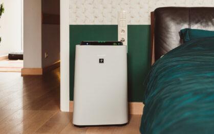 Sharp UA-HD60E-L – oczyszczacz i nawilżacz z technologią Plasmacluster – nasz ideał do sypialni!