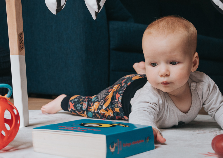 Jak urządzić kącik zabaw dla niemowlaka?